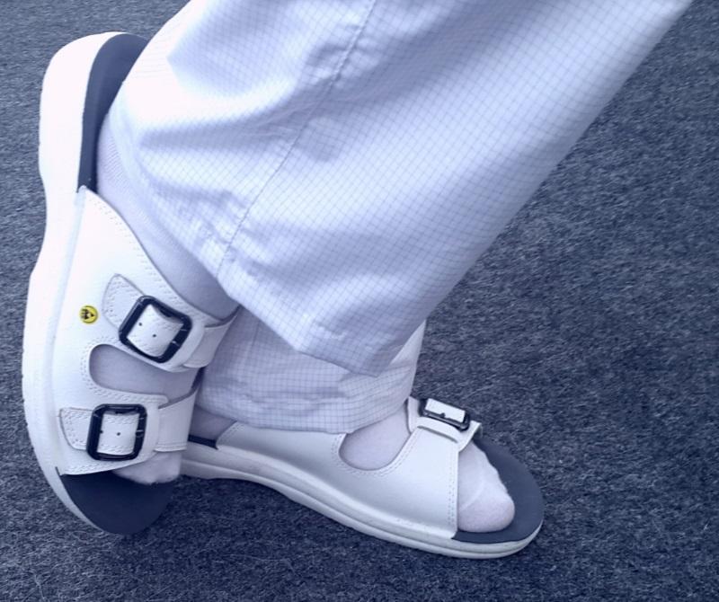 Антистатические сандалии белового цвета