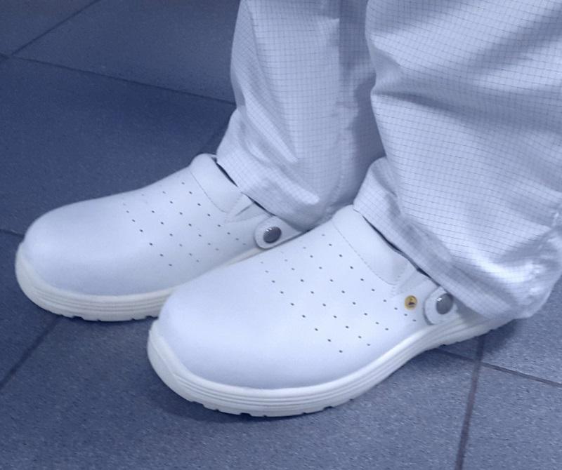 Антистатическая обувь сабо белого цвета